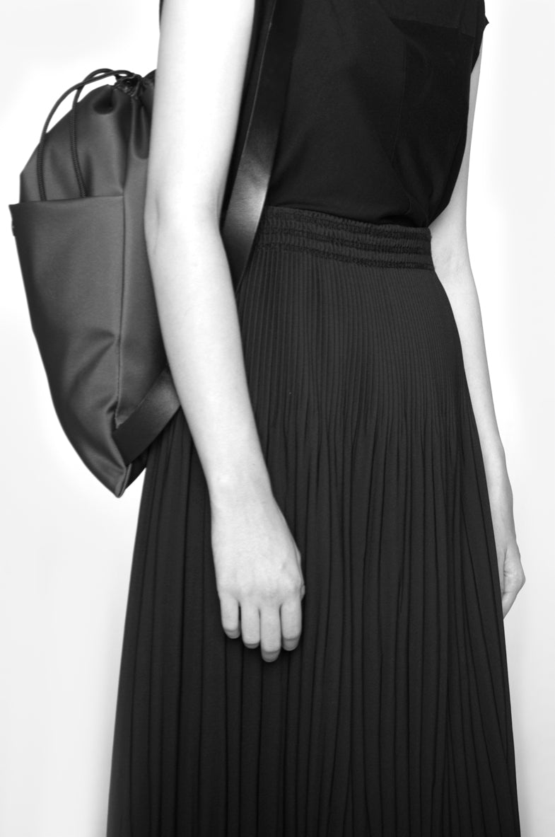 Leeda: Backpack - CROSS BODY BACKPACK