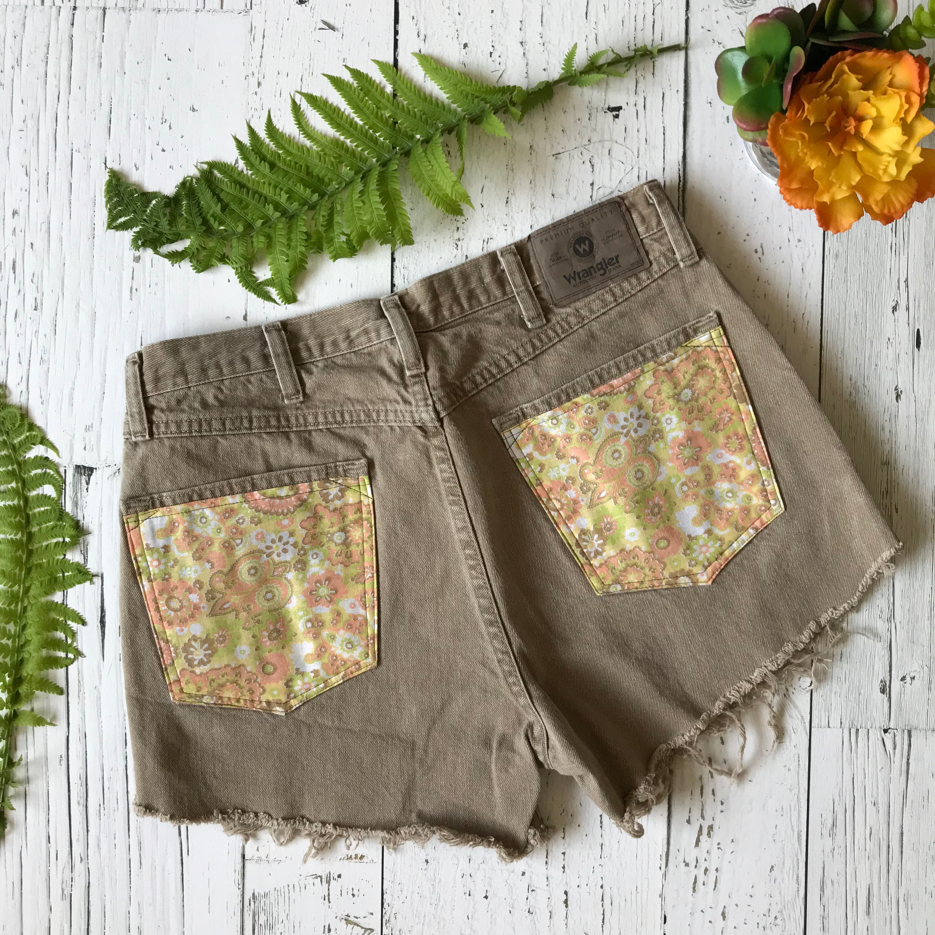 Wrangler brown floral denim cut-offs size 34