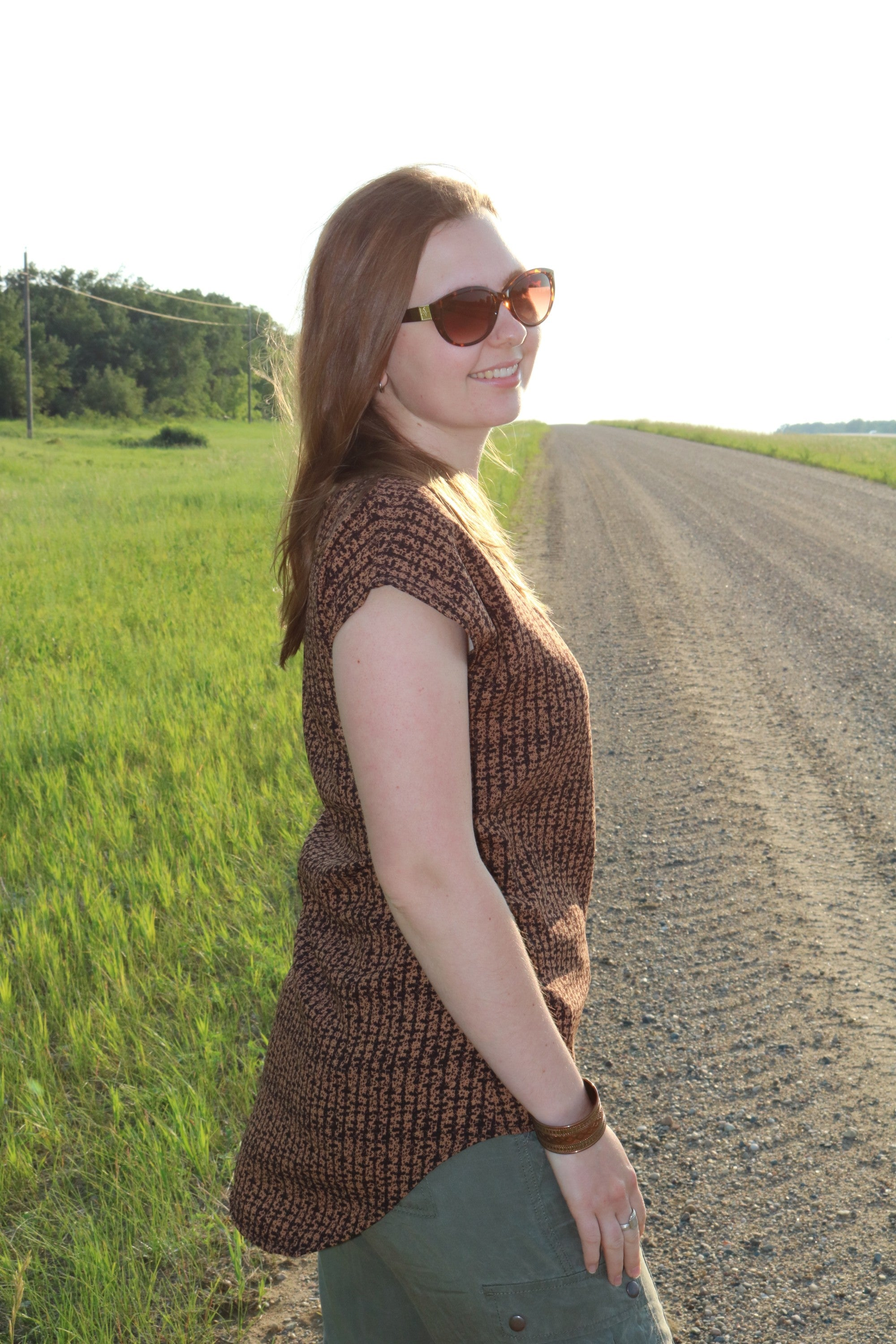 Classic Slouchy Tee in woven houndstooth brown and black