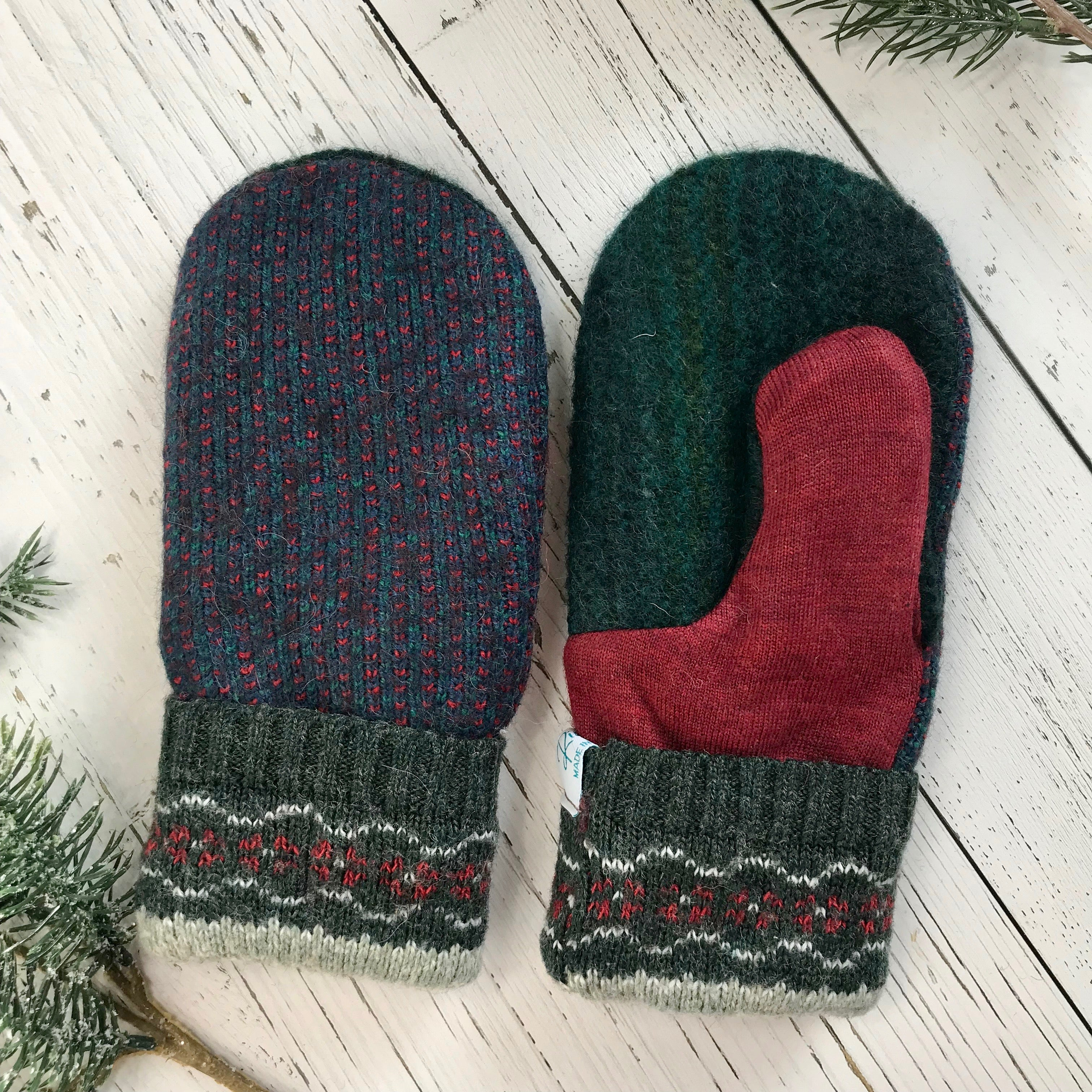recycled wool mitts green, wine red, pattern