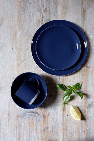 Shell Bisque Dinner Plate in Indigo - Set of 4