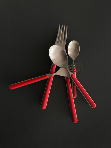 Bari 5 Piece Cutlery Set in Red
