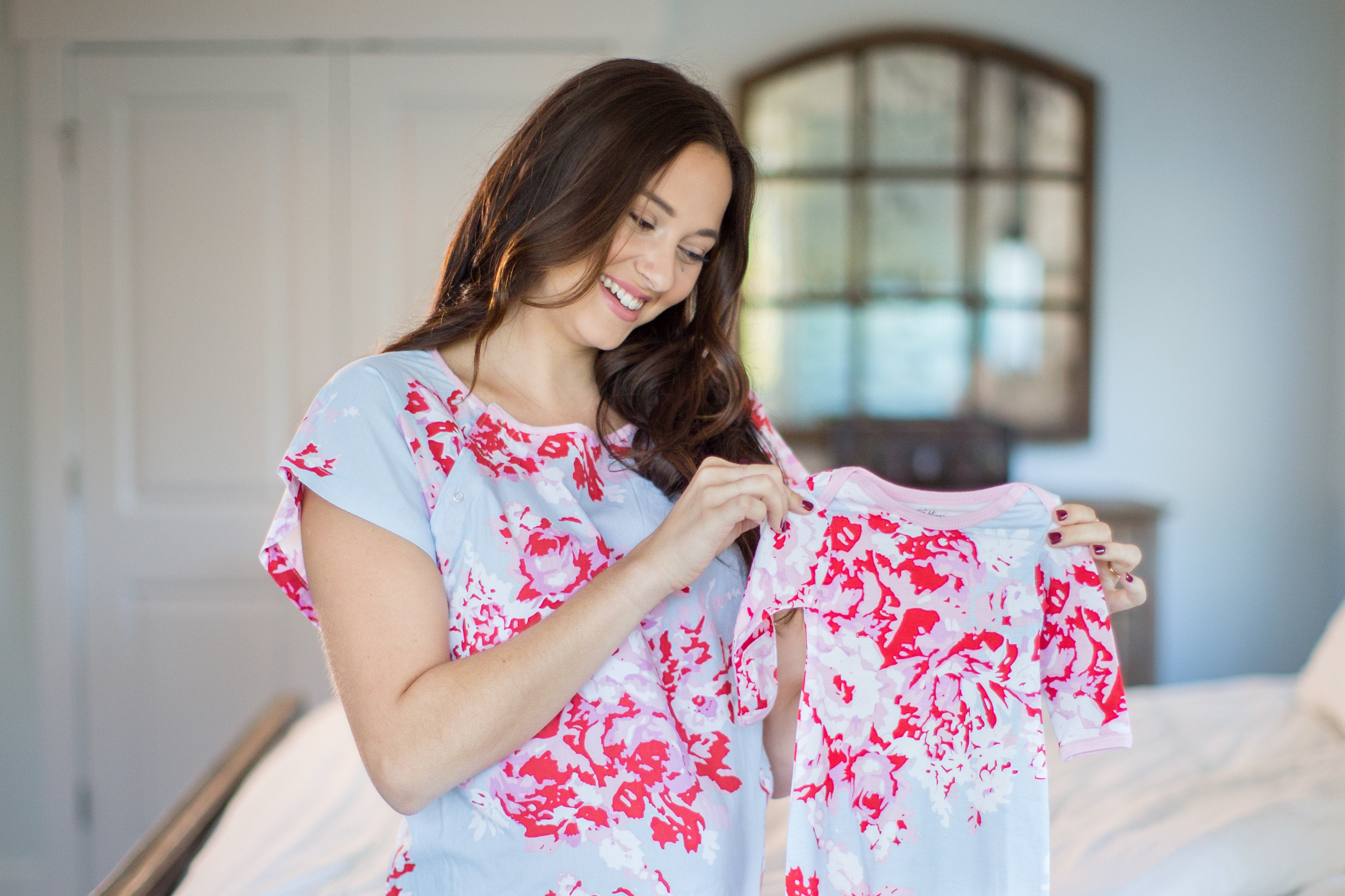 Mae Maternity Delivery Hospital Gown & Baby Receiving Gown Set - Mommy & Me