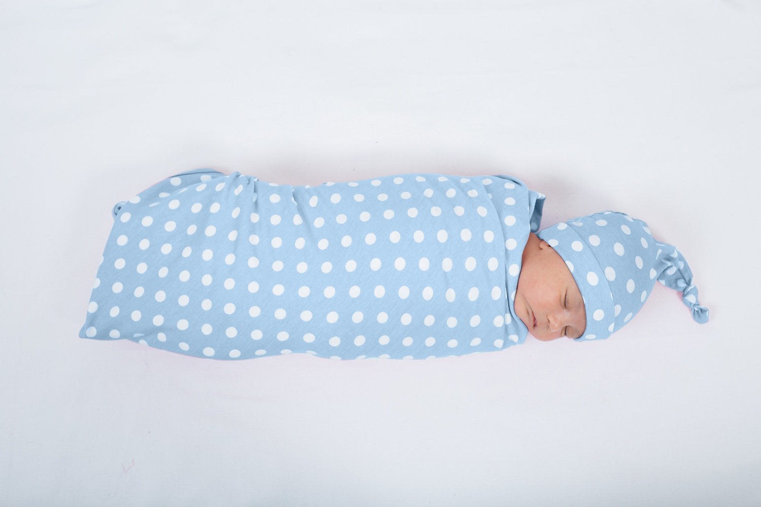 Nicole Swaddle Blanket & Newborn Hat Set