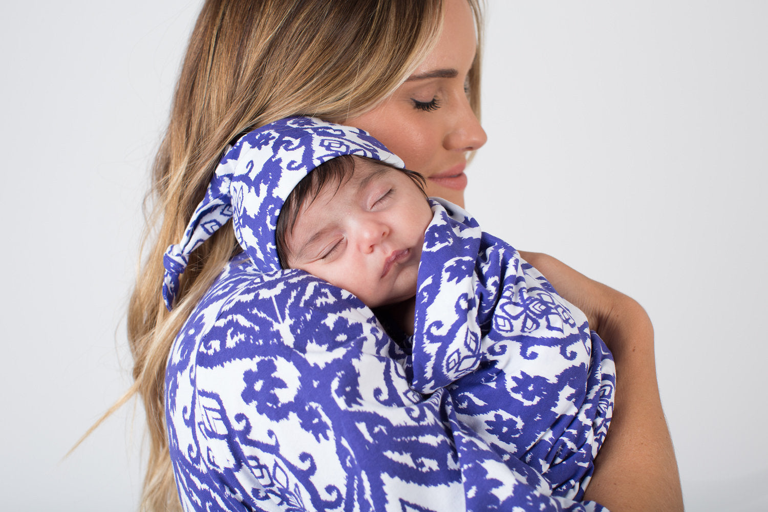 Brie Delivery Robe & Swaddle Blanket Set