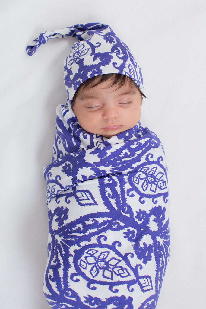 Brie Swaddle Blanket and Matching Newborn Hat Set