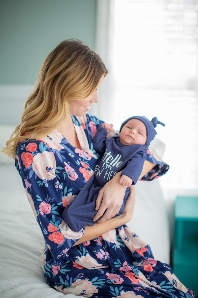 Annabelle Delivery Robe & Navy Hello I'm new here Baby Gown Set