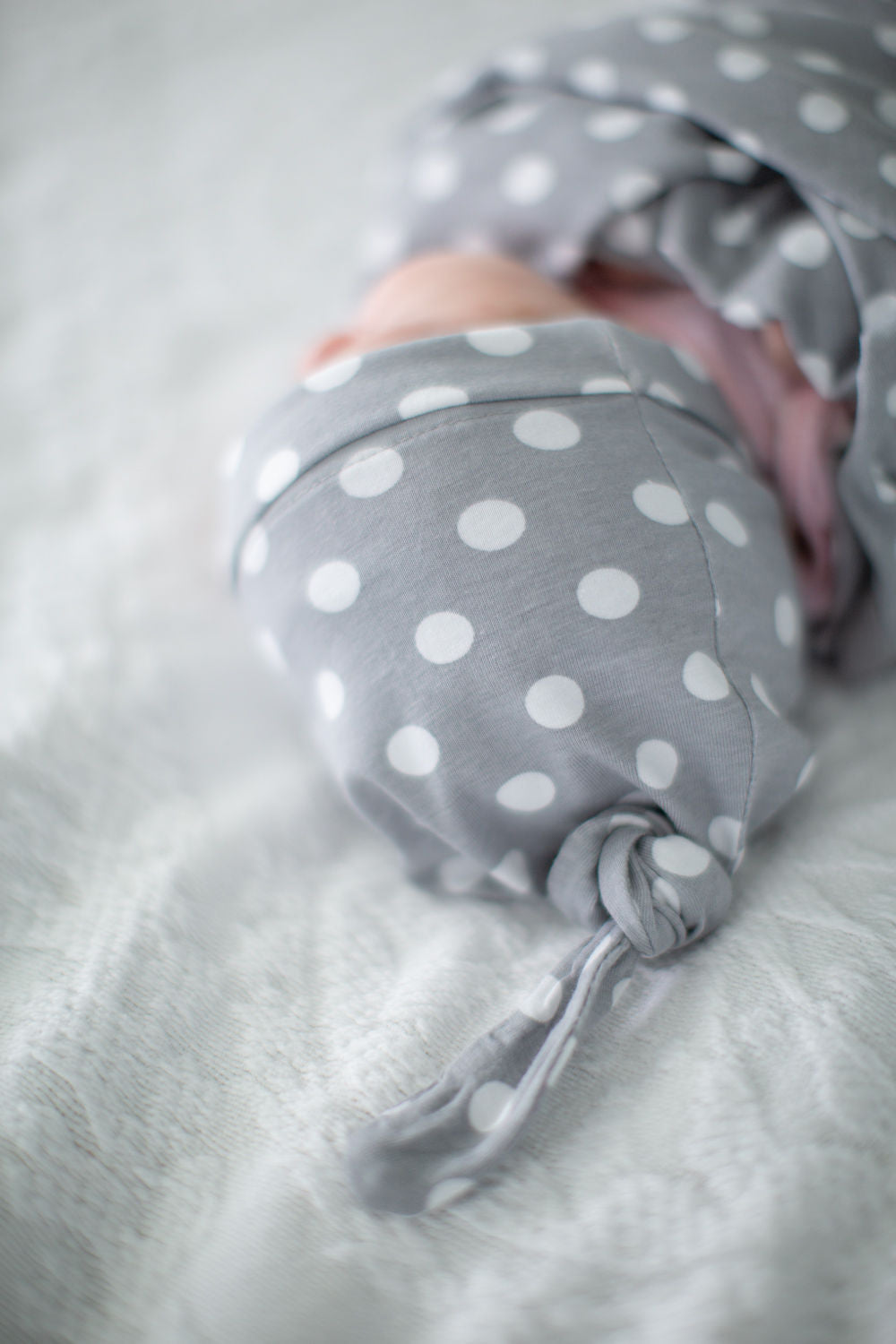 Lisa Swaddle Blanket and Matching Newborn Hat Set