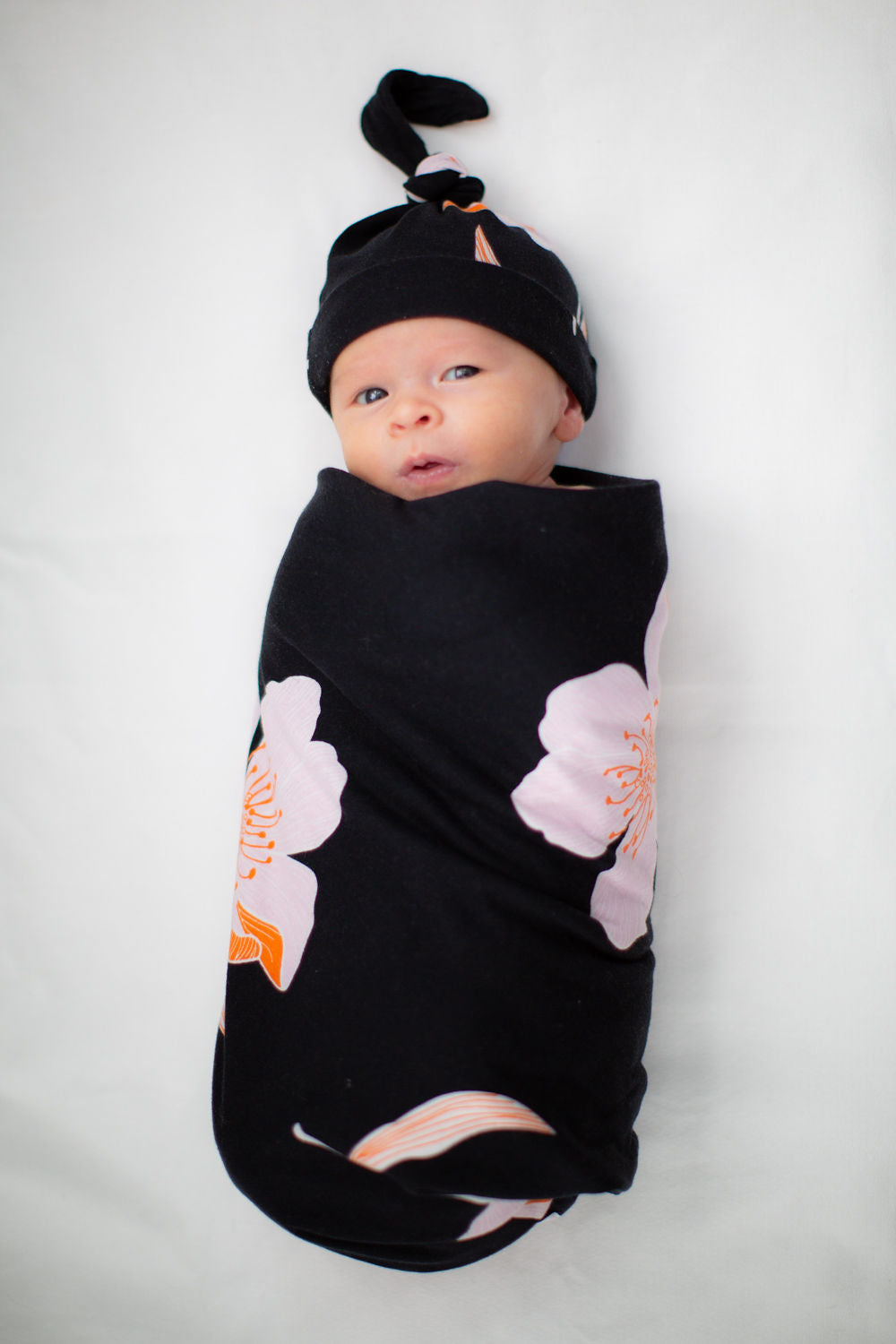 Willow Swaddle Blanket & Newborn Hat Set
