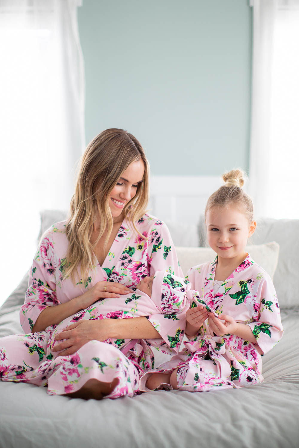 Amelia Big Sister & Mommy Robe & Swaddle Blanket Set