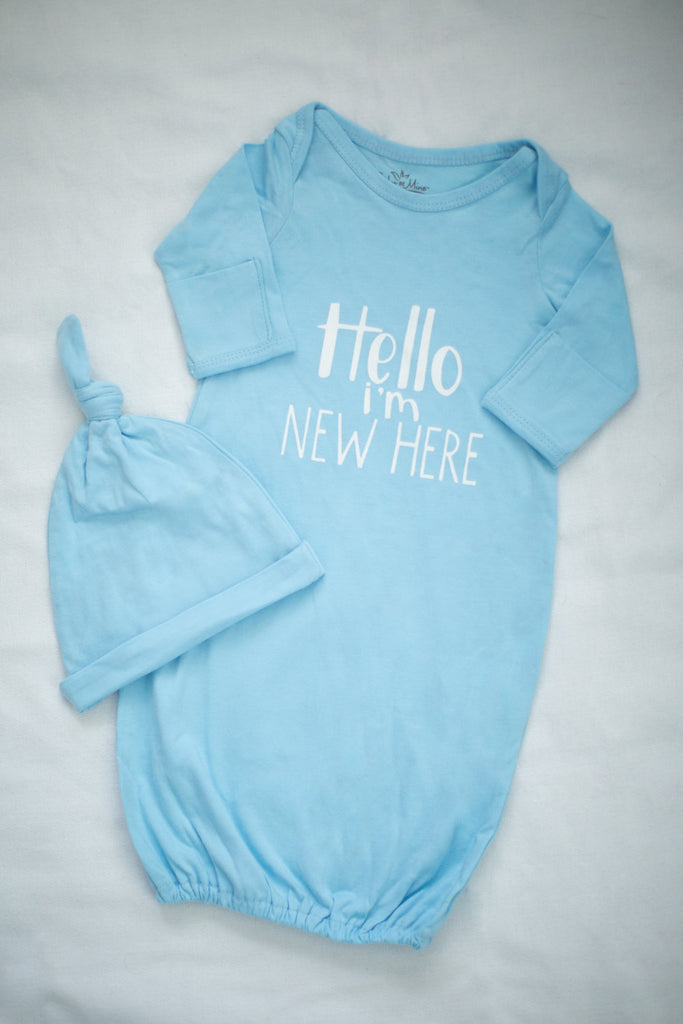 "Isla 3 in 1 Labor Gown & Light Blue""Hello I'm new here"" Baby Gown Set"