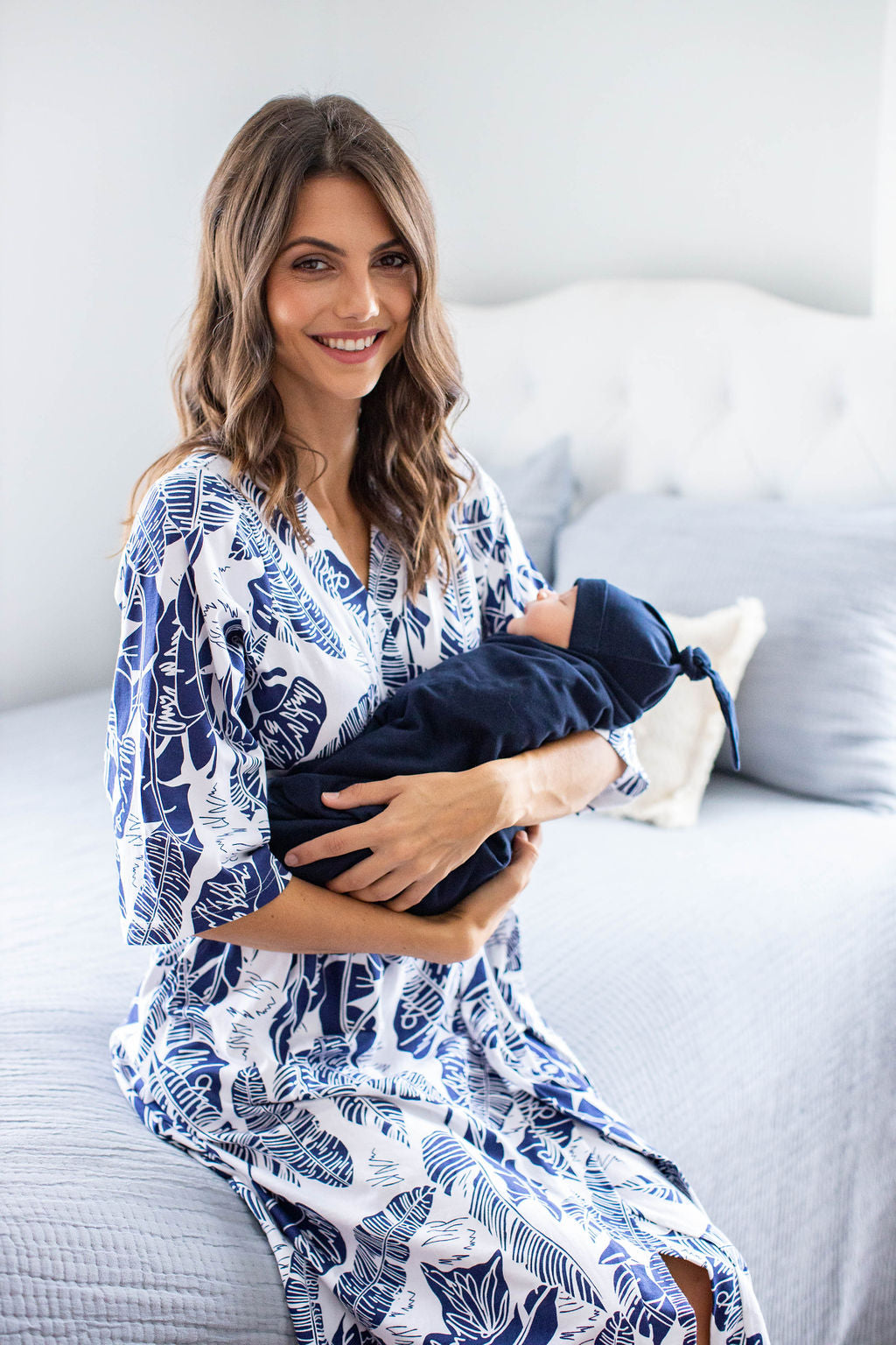 Serra Delivery Robe & Navy Blue Swaddle Blanket Set