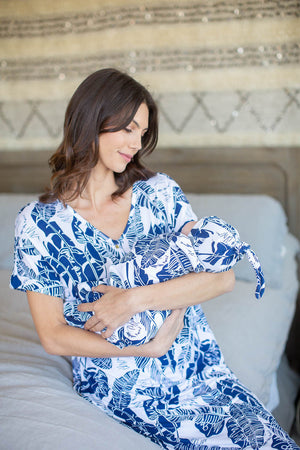 Serra Endless Mama Maternity/Nursing Lounge Dress & Matching Swaddle Blanket Set