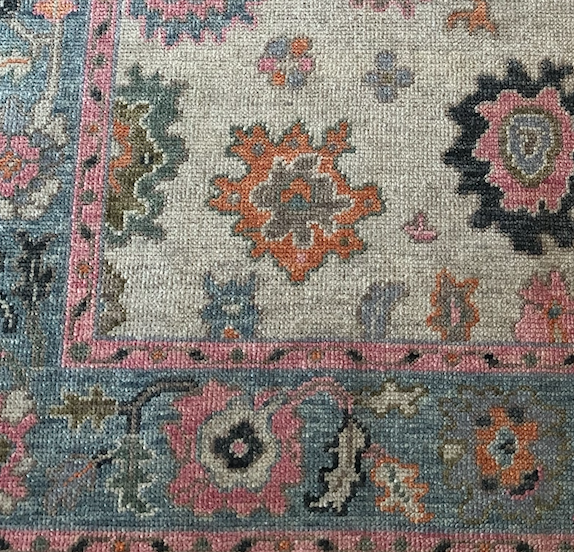 Ivory/Gray Oriental Rug
