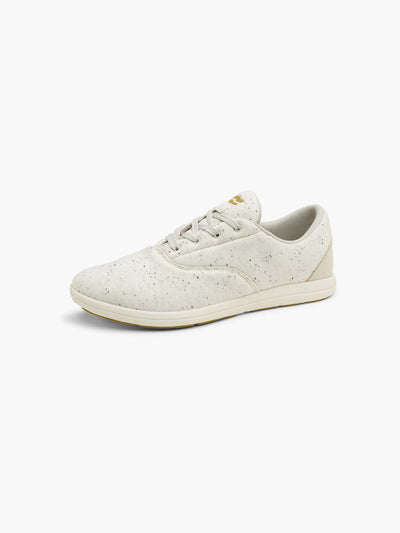 Strike Movement Chill Pill cross-training sneakers in Off White Speckle Fleece