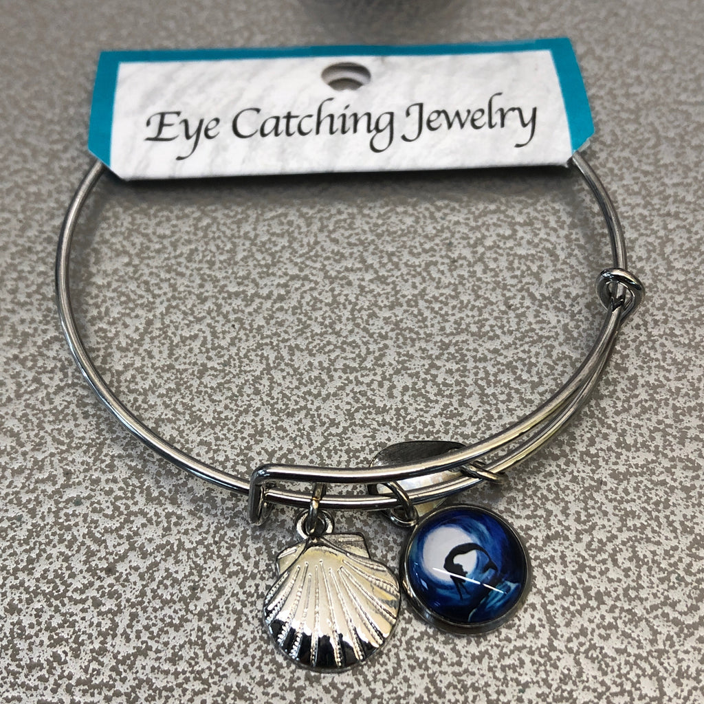 Eye Catching Jewelry Seashell Bangle