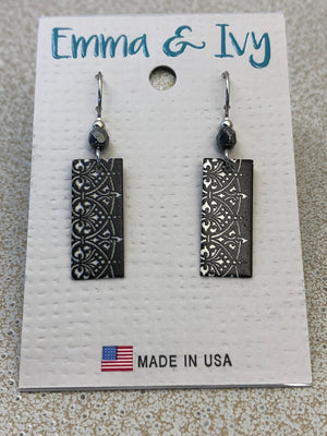 Emma & Ivy Black and White Earrings