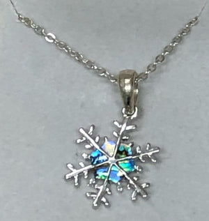 Wild Pearle Snowflake Necklace