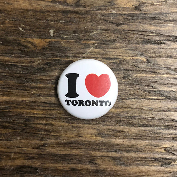 i heart Toronto pin button