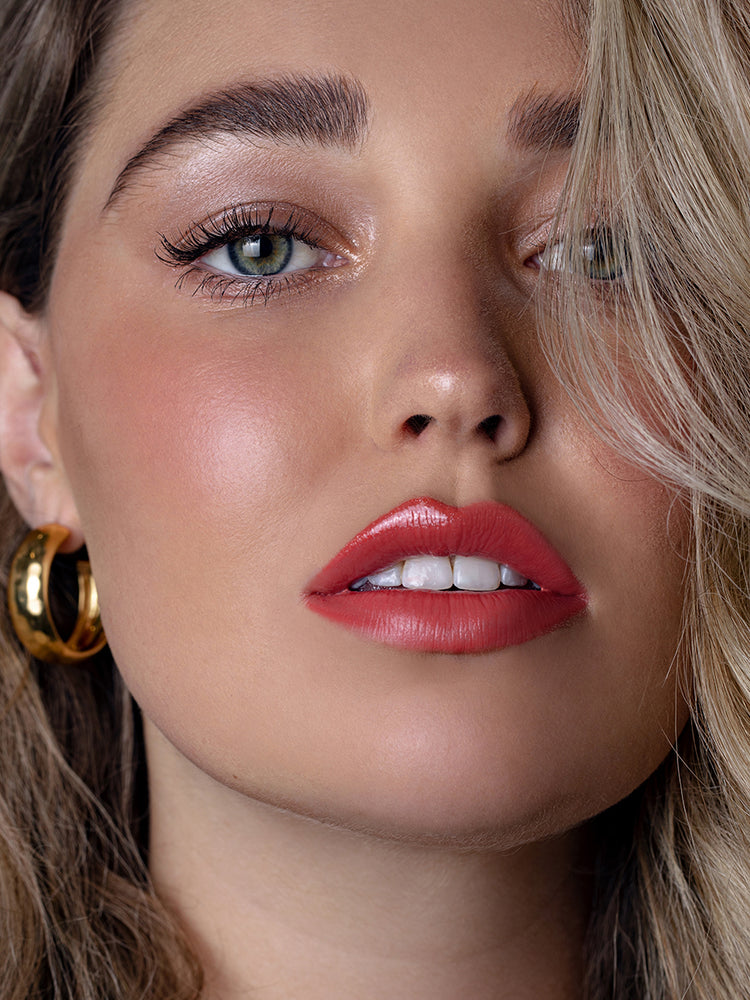aaVelvet Lips Seductress Coral