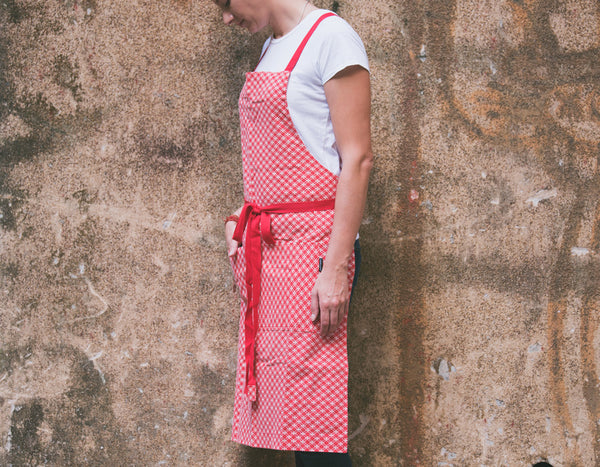 Checkered Red Apron with Eyelets and Adjustable Straps - chopcookdine  - 3