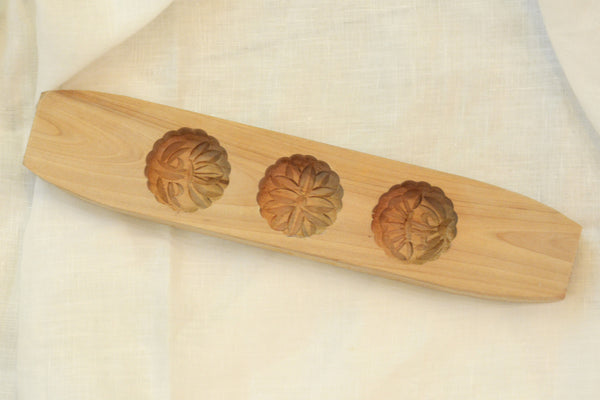 Traditional Wooden Round Mooncake Mold - chopcookdine