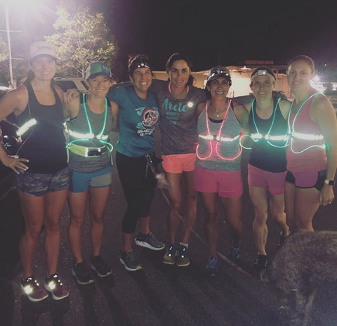 Run Arete running team stays safe with reflective gear when running in the dark