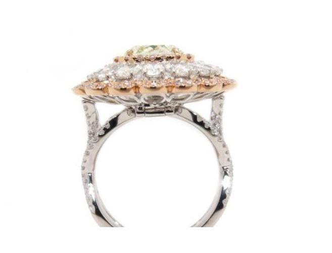 Radiant, 3.28 Carat, Fancy Yellow Green, Si2 Diamond Ring. DahanCollection.Com