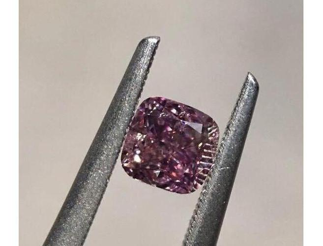 Cushion 0.38ct. Fancy Deep Purple Pink I1-ColorDiamondsNet