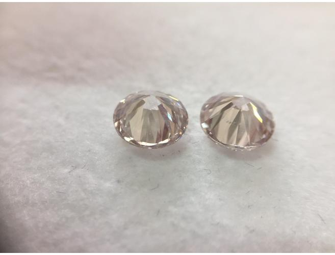 Round Brilliant, 2.01 Total Carat Weight, Very Light Pink, VS1/SI2 Color-Diamonds.Net