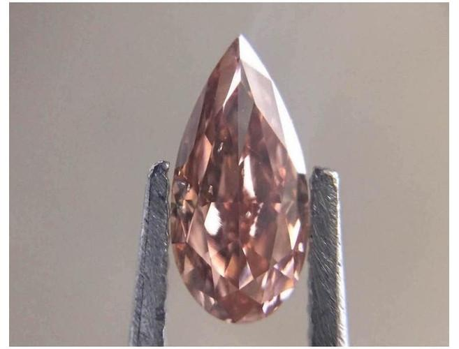 Pear 1.01 Carat Fancy Deep Orangey Pink SI1-ColorDiamondsNet