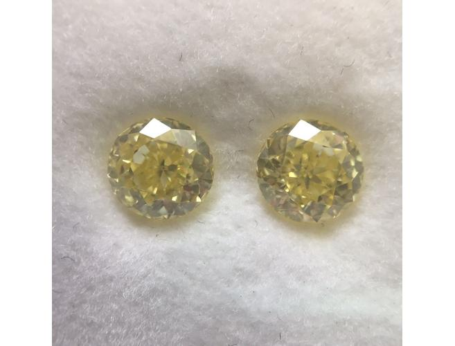 Round, 1.84 Total carat Weight, Fancy Yellow, VVS1, Natural Loose Color Diamonds, Color-Diamonds.Net