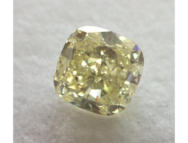 Cushion, 1.43 Carat, Fancy Light Yellow, VS1 Clarity. DahanCollection.Com