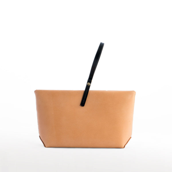 EOLIE CLUTCH NATURAL HAND STITCHED FRONT