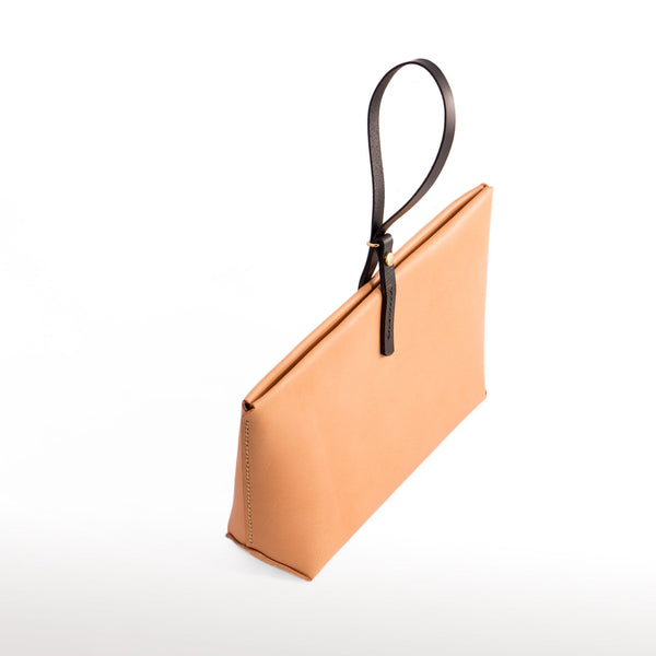 EOLIE CLUTCH NATURAL HAND STITCHED TOP