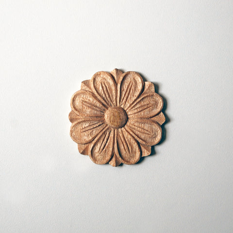 Daisy Medium Rosette