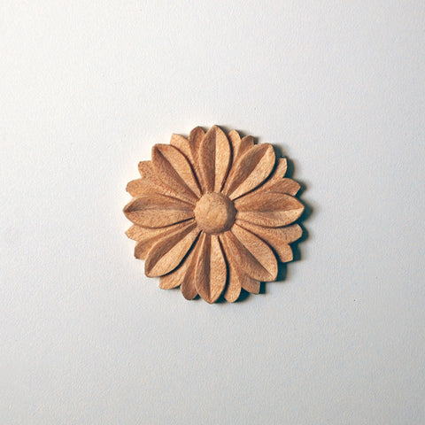 Laurel-Leaf Medium Rosette