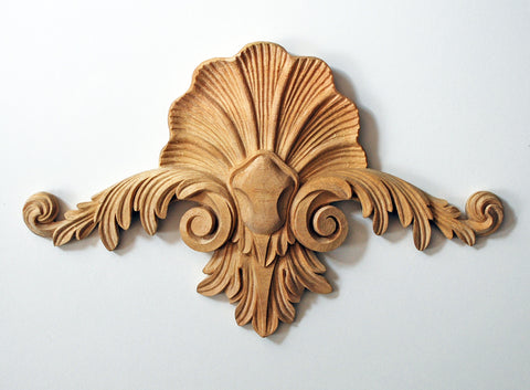 18th-Century-Style Shell Pediment Appliqué