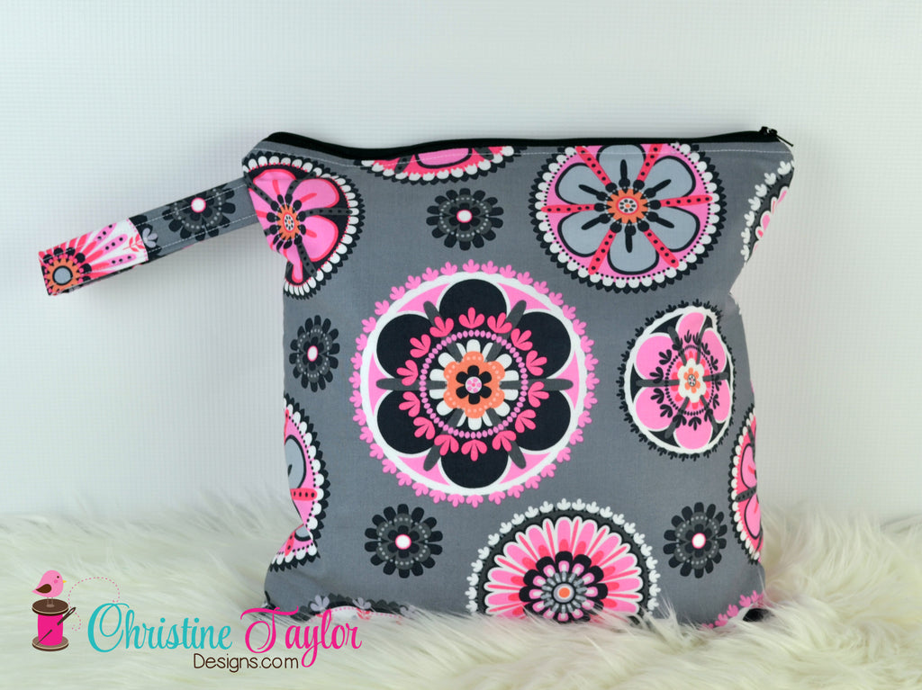 Ready Made MEDIUM SIZE Wet Bag - Pink and Grey geometric