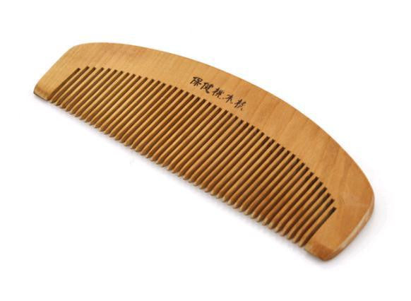 12cm Traditional Natural Cherry Wood Comb