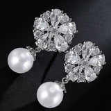 Gorgeous Design Pear Cluster Flower Shape Hang Imitation Pearl Top Quality Cubic Zirconia Bridal Dangle Earring