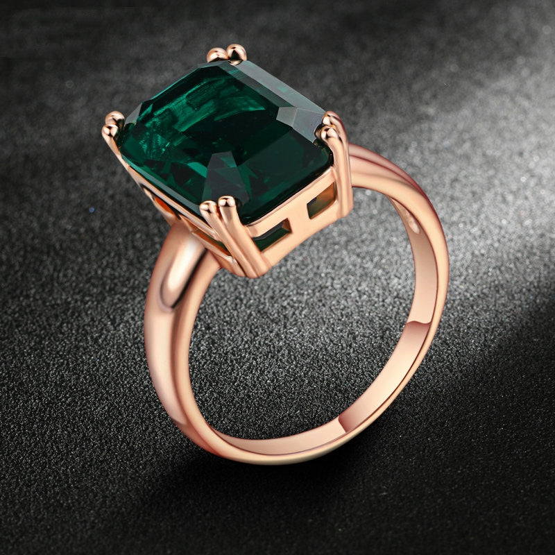 Brand Emerald Ring Rose Gold Plated Fashion Red/Green Big Crystal Imitation Ruby Wedding Jewelry For Women