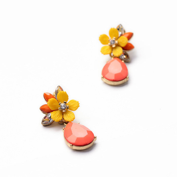 Fashion Jewelry Graceful Pink Water Drop Yellow Resin Flower Earrings for Women Fashion Drop Earrings Accessories