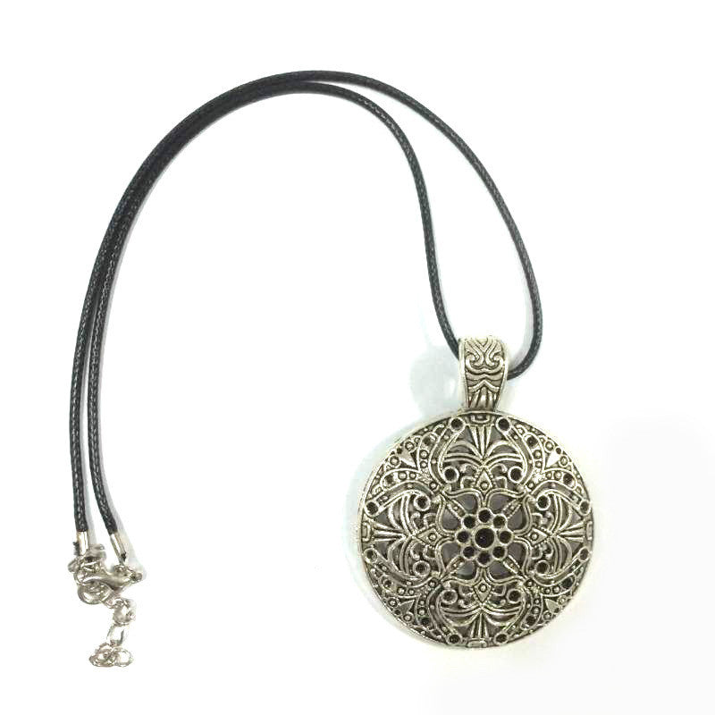 Hot Pendant Necklace Bohemia Chokers Necklaces Round Pendants Rope Chain for Gift Party Wedding