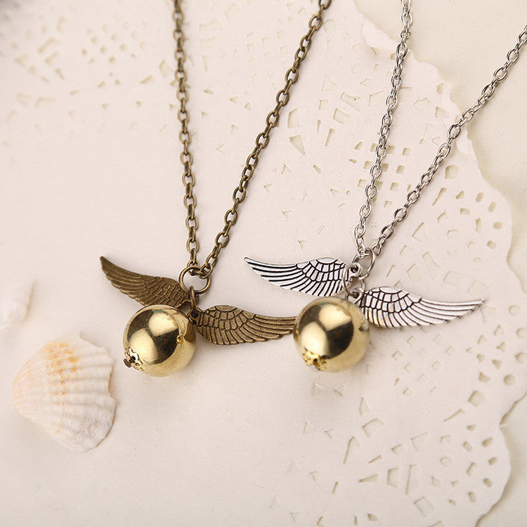 Hot Sale Occident Retro Fashion Snitch Gold Pendant Movie Theme Necklace Angel Wing Chain