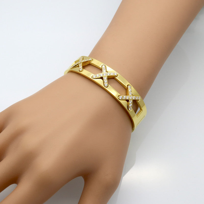 Latest design Luxurious Jewelry X Bracelets Cross CZ Diamond Paved Cuff Bangle For Women 18k Gold Plated Fashion Wrist Jewelry