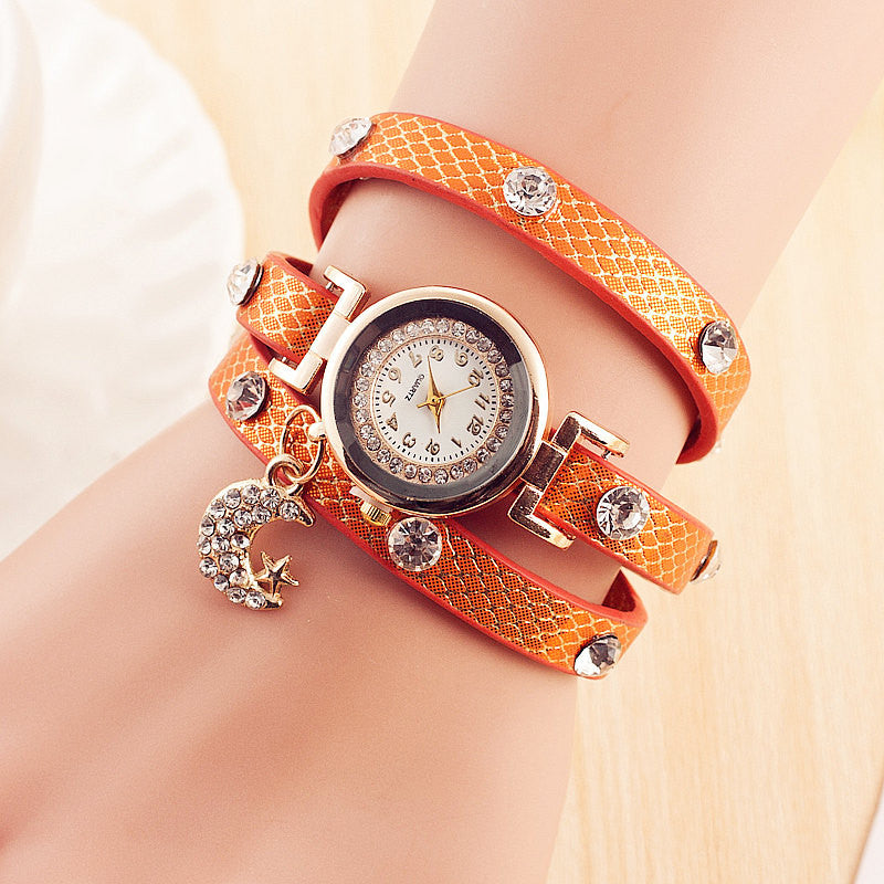 New Arrival Fashion Leather Bracelet Watches Women Dress Watch Charms Diamond Moon Stars Pendant Quartz Watch Relogio Feminino