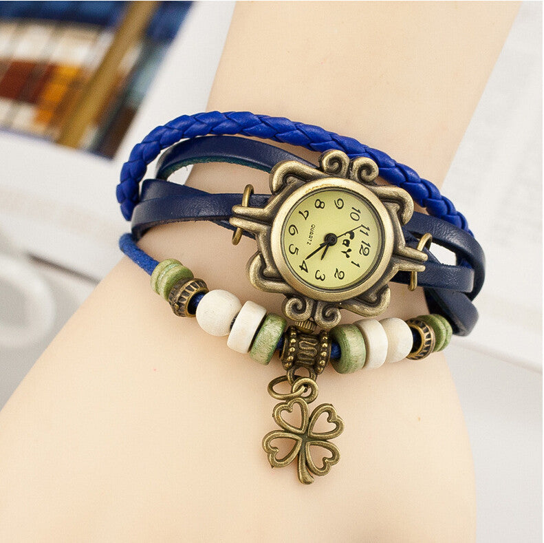 New Fashion Leather Watch Four Leaf Clover Pendant Quartz Watches Women Vintage Hand Knit Ladies Bracelet Watch