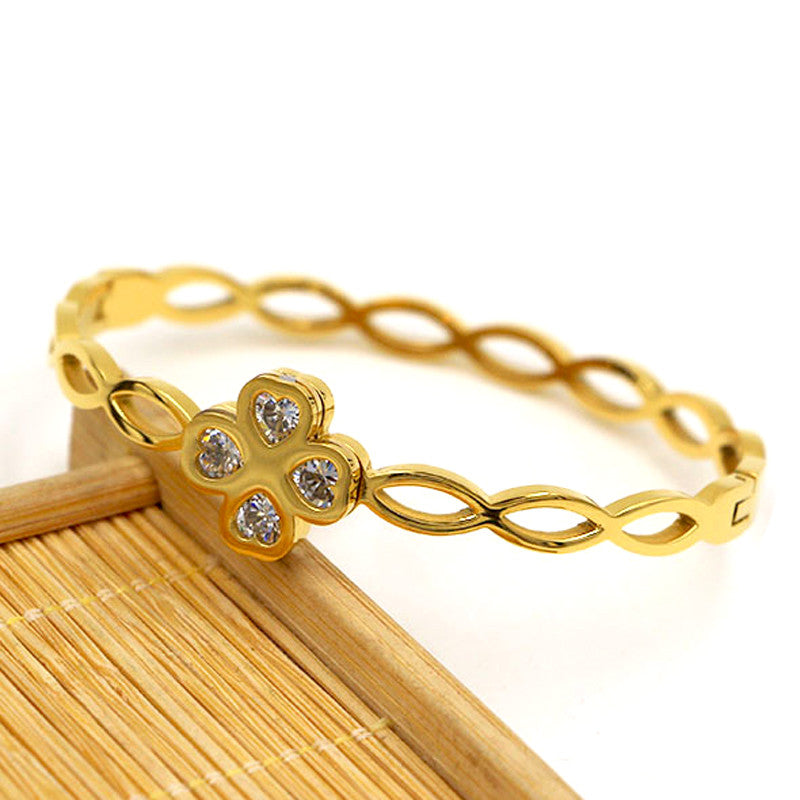 Gold Punk Clover Bracelets & Bangles Trendy Heart Crystal Stone Cuff Bracelet For Women Fashion Jewelry