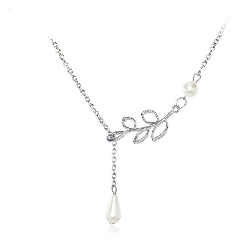 New Sale Fashion Simple Leaves Short Of imitation pearl Necklaces Chain Of Clavicle For Women